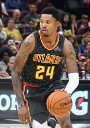 220px-Kent_Bazemore_20171004_(cropped)